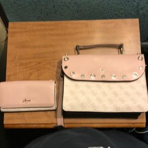 Guess purse and matching wallet!!!!